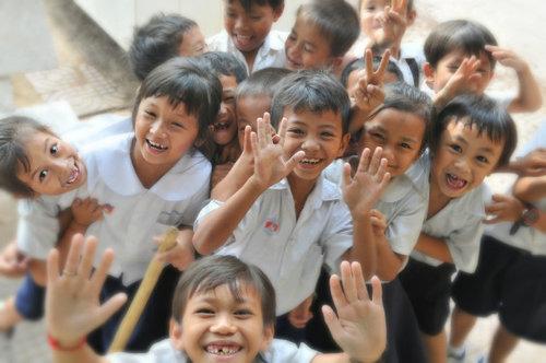 happy_school_children_newspic